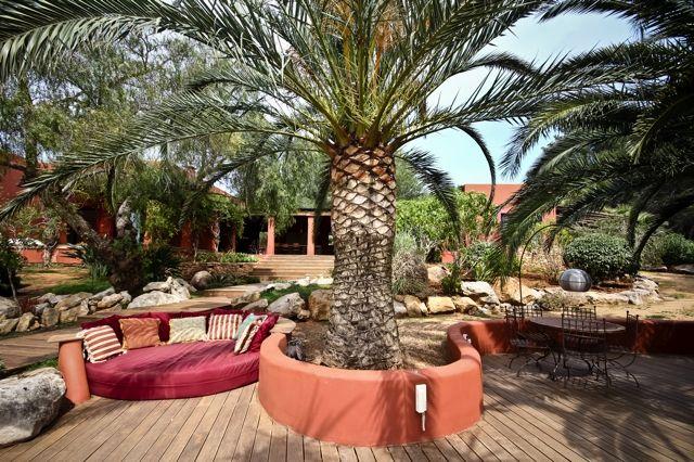 Сад виллы на продажу в Кала Жондаль