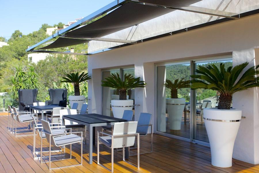 Солнечная терраса  виллы на продажу в Эс Салина