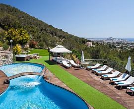 Impresionante villa en alquiler en una zona residencial de San José, Ibiza