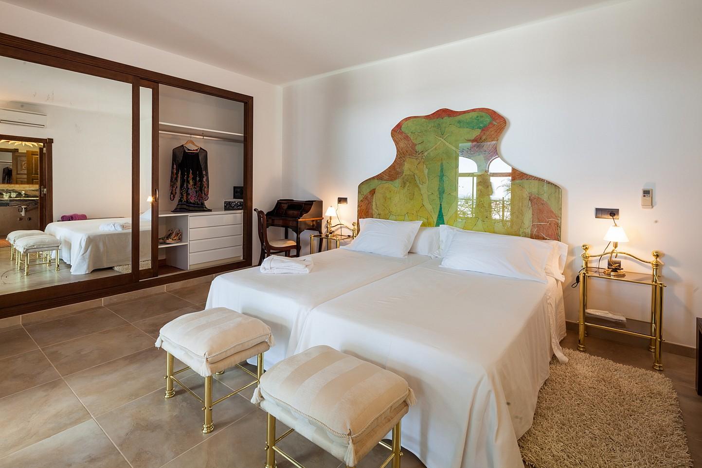 Dormitori ampli i lluminós