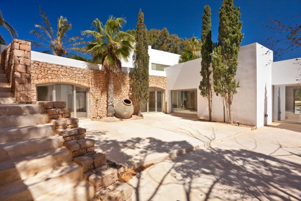 moderna villa estilo ibicenco en porroig ibiza oi realtor