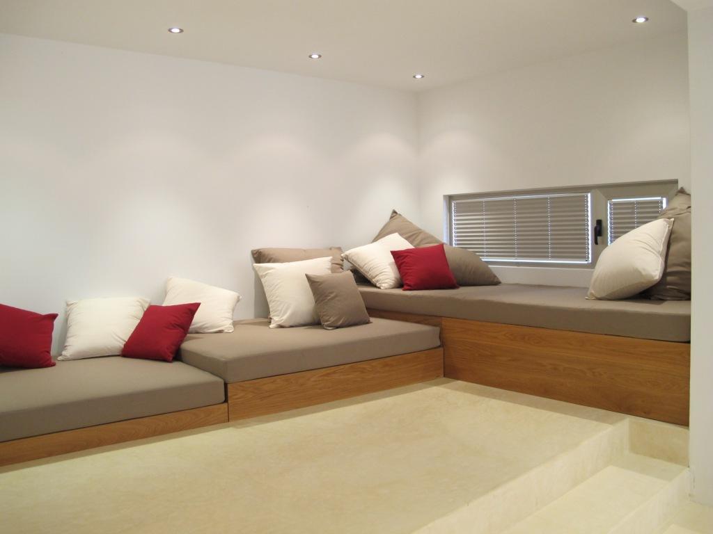 Sala d'estar àmplia i lluminosa