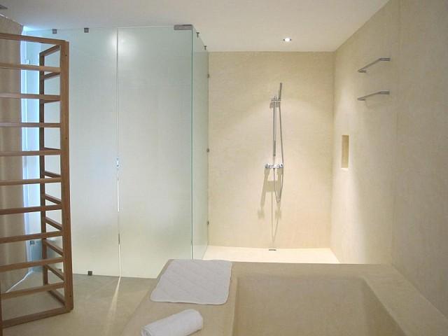 Ванная комната виллы на продажу в Порройч