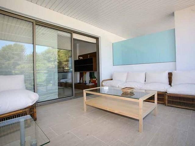 Солнечная терраса квартиры на продажу в Санта Эулалия