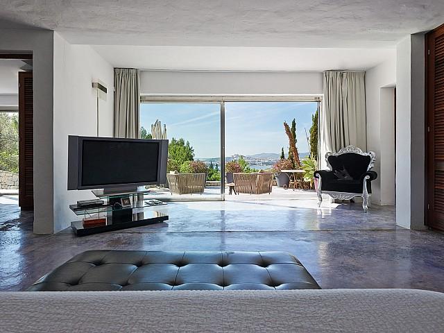 Vistas del acceso a la terraza desde uno de los dormitorios