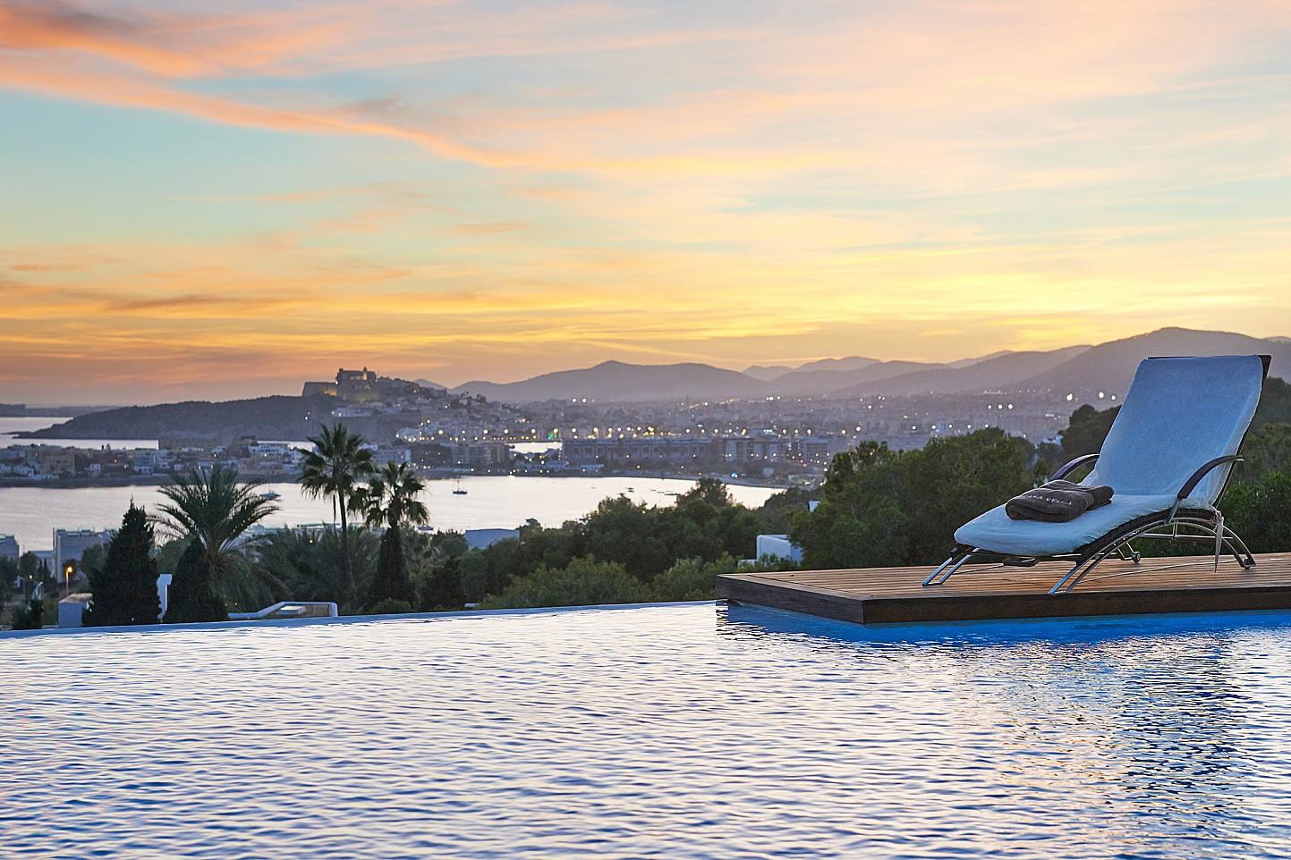 Magníficas vistas desde la piscina