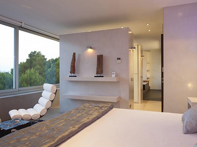 Gросторная спальня виллы в аренду в Vista Alegre