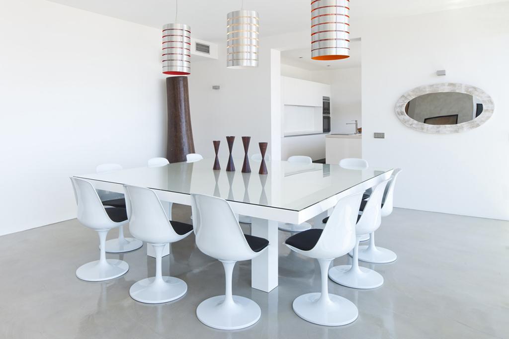 Comedor amplio junto a la cocina