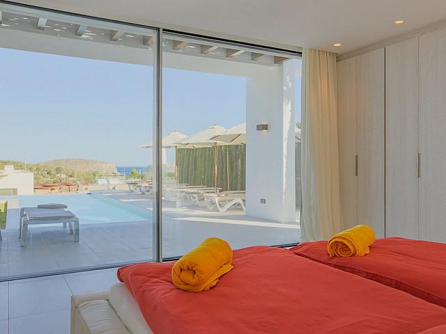 Dormitori amb sortida a la terrassa