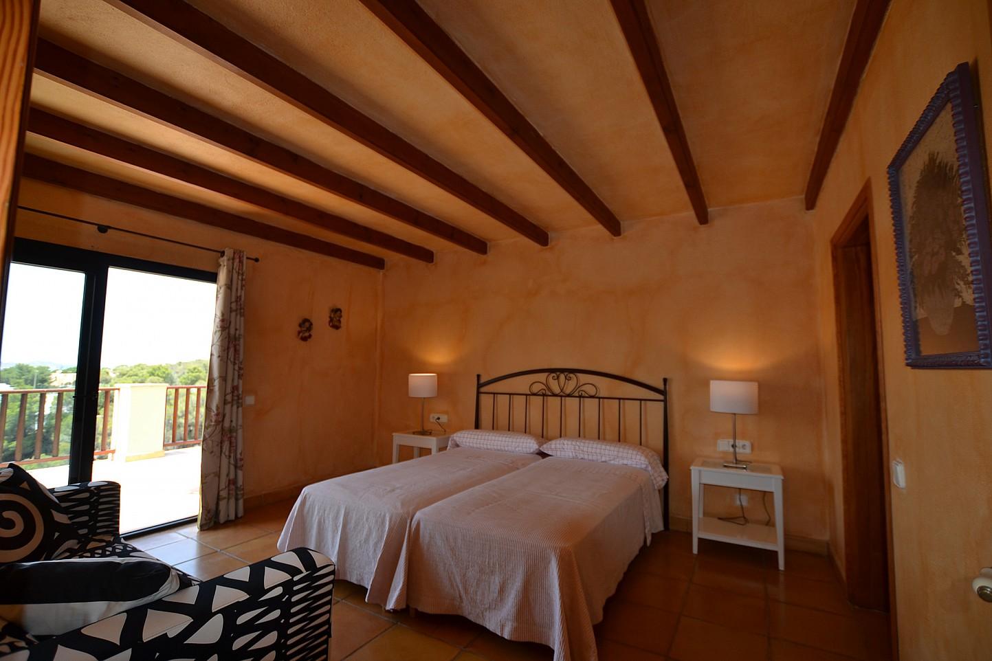 Шикарная спальня дома в аренду в Кала Ваделья