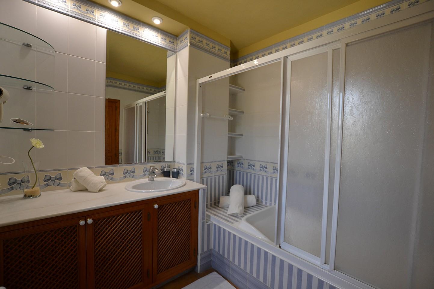 Ванная комната дома в аренду в Кала Ваделья