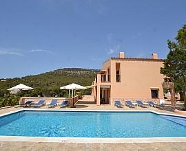Magnífica casa rústica en alquiler con vistas a Cala Vadella, Ibiza