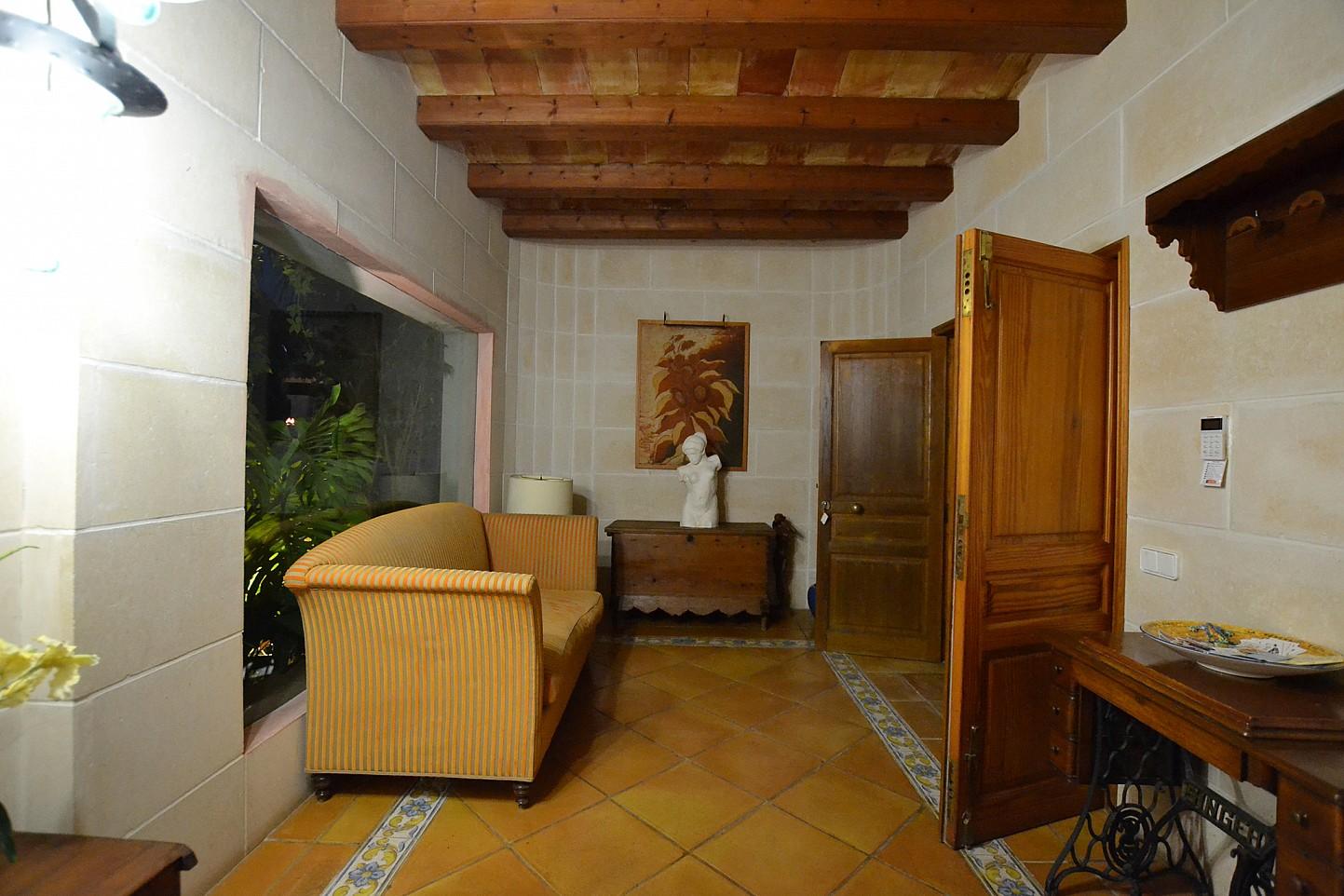 Прихожая дома в аренду в Кала Ваделья