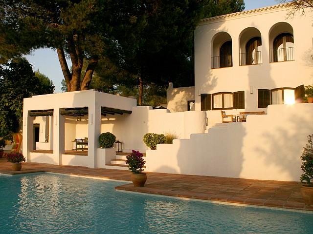 Lloguer d'una esplèndida vila rústica a prop de San Rafael, Eivissa