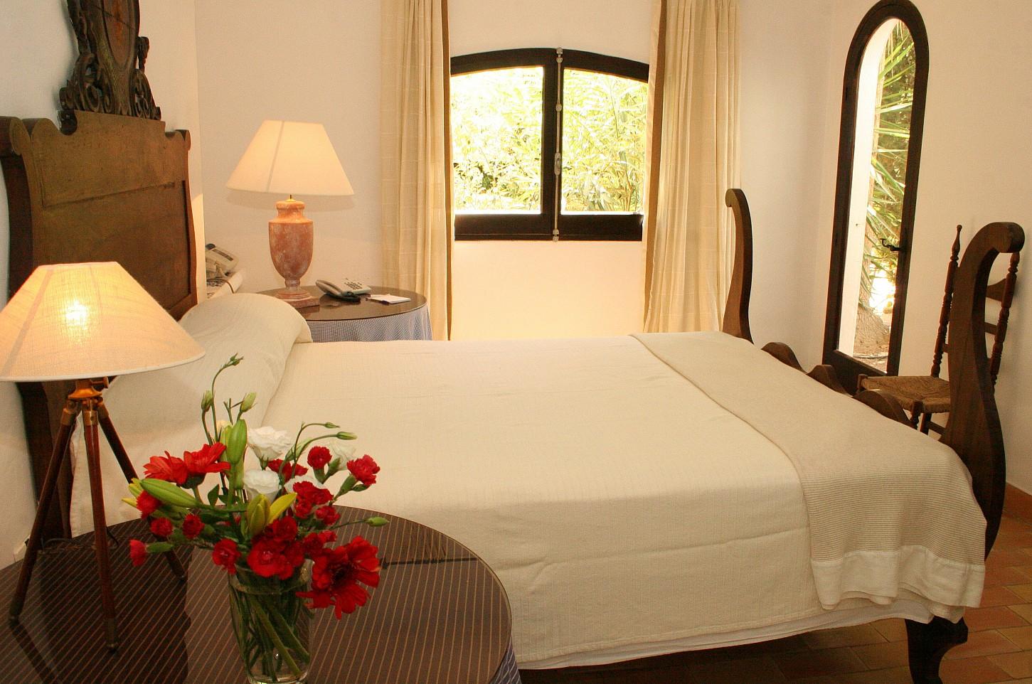 Светлая спальня   виллы в аренду в Сан Рафаэль
