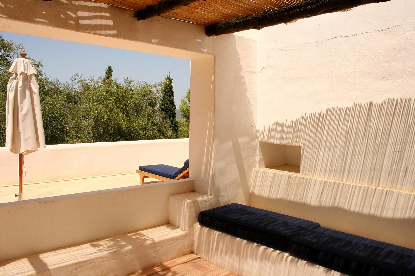 Солнечная терраса виллы в аренду в Сан Рафаэль
