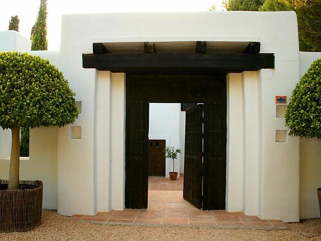 Потрясающая терраса виллы в аренду в Сан Рафаэль