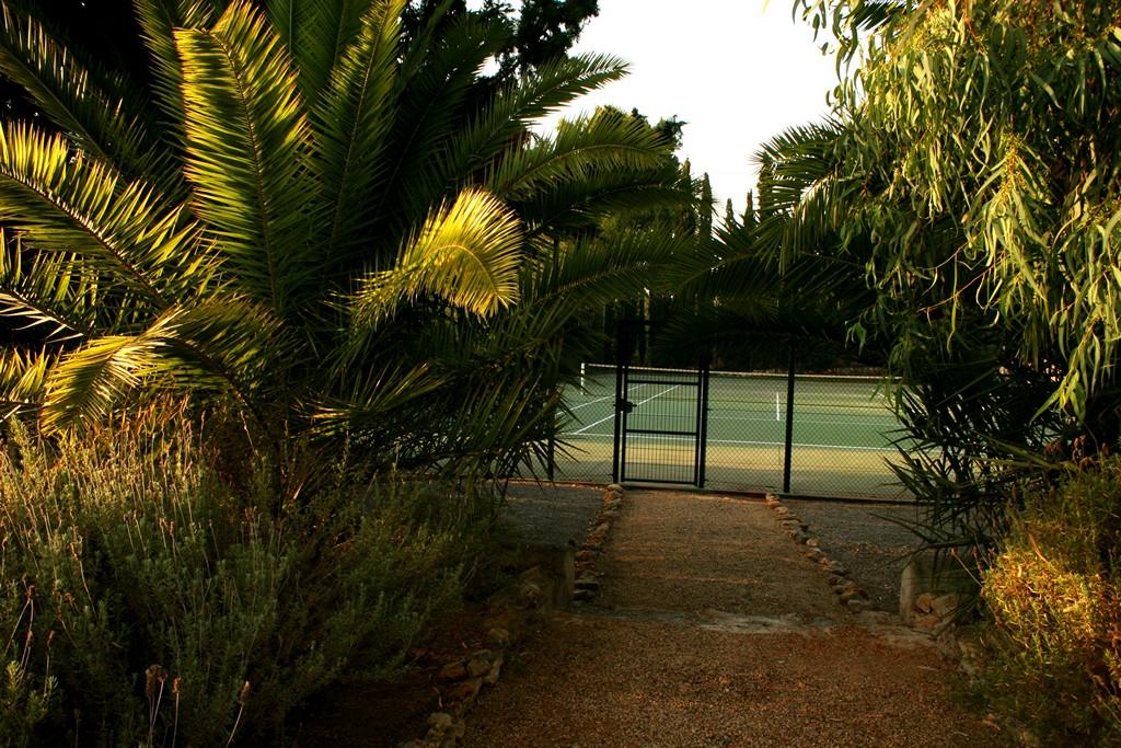 Теннисный корт виллы в аренду в Сан Рафаэль