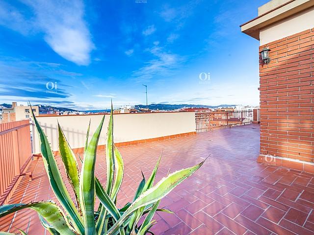 Maravilloso ático con gran terraza en venta en Sant Andreu, Barcelona.