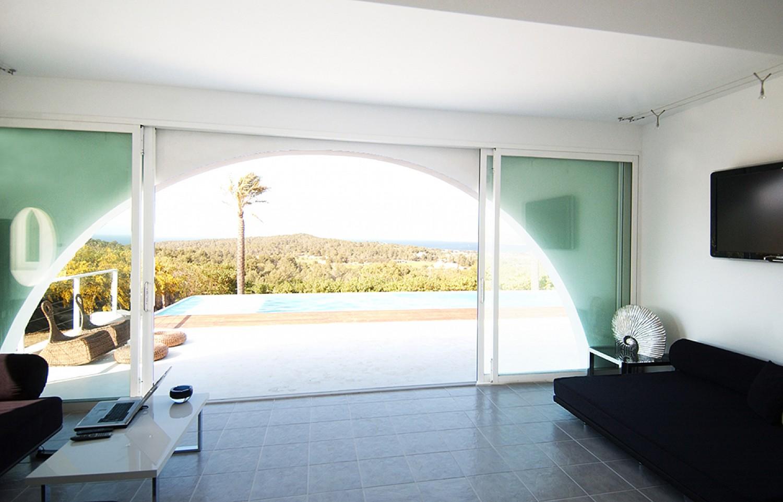 Просторная гостиная виллы в аренду в Сан Хосе