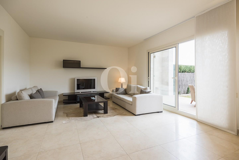 Просторная гостиная дома на продажу в Сант Висенс де Монтальт
