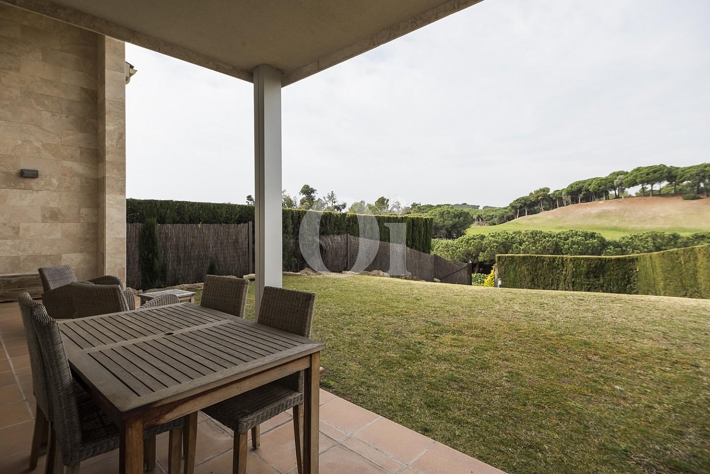 Солнечная терраса  дома на продажу в Сант Висенс де Монтальт