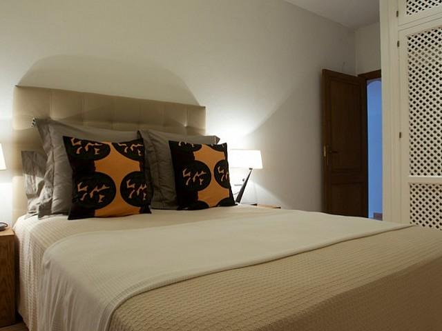 Dormitori espaiós amb bona il.luminació