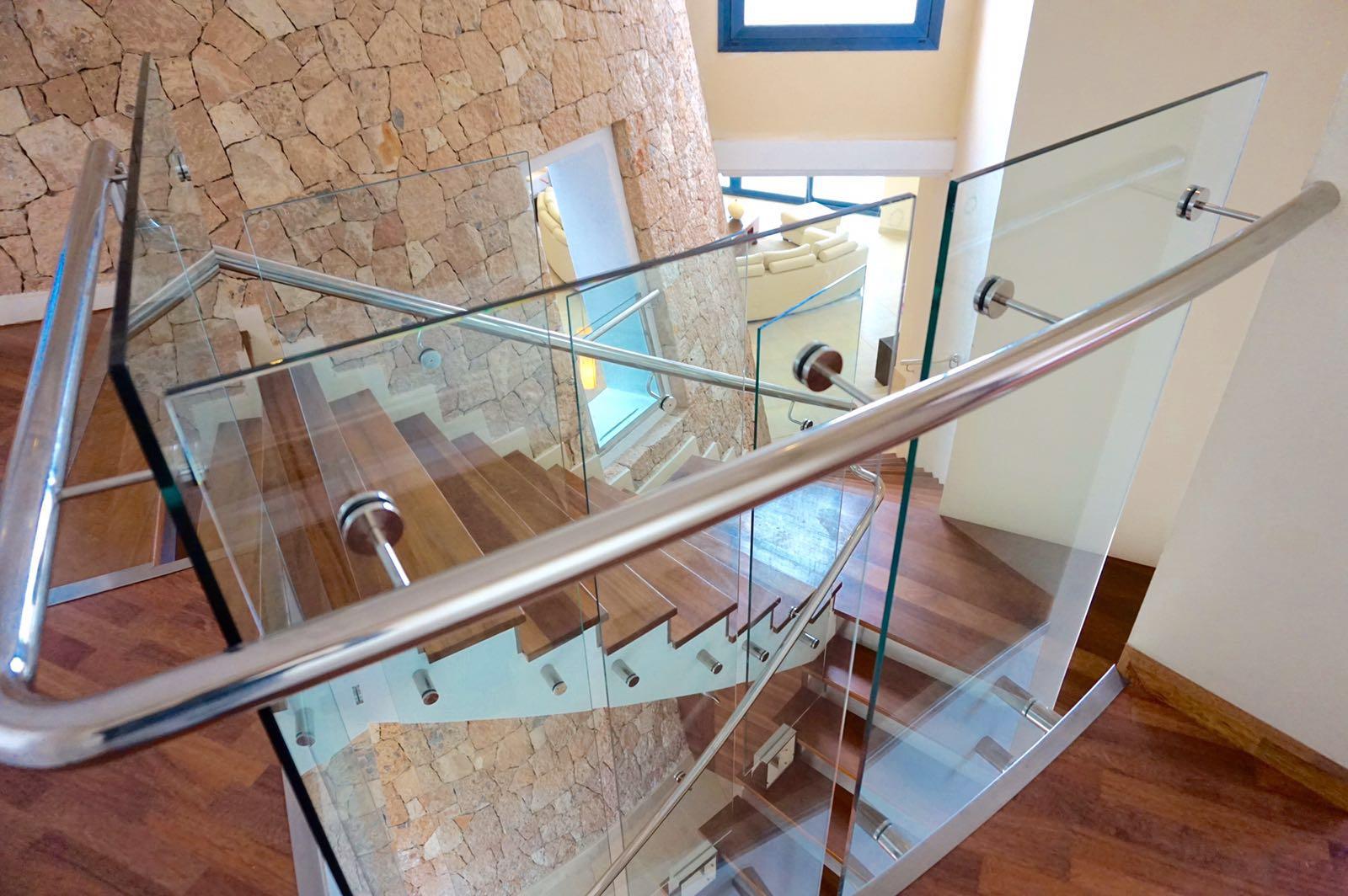 Лестница виллы в аренду в Сан Агустин