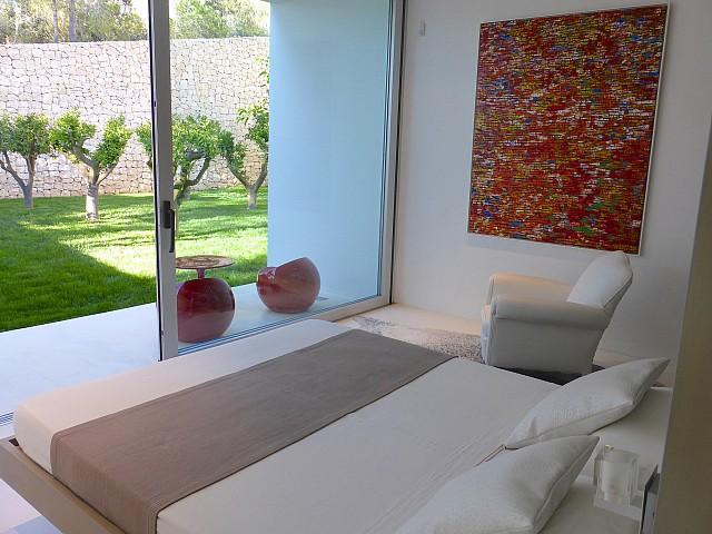 Спальня виллы в центре Барселоны