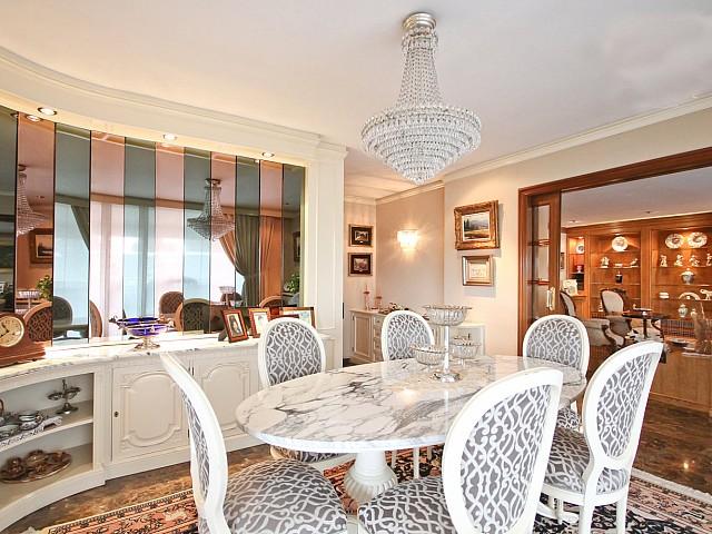 Шикарная гостиная пентхауса в Бонанова