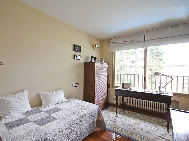 Шикарная спальня пентхауса в Бонанова