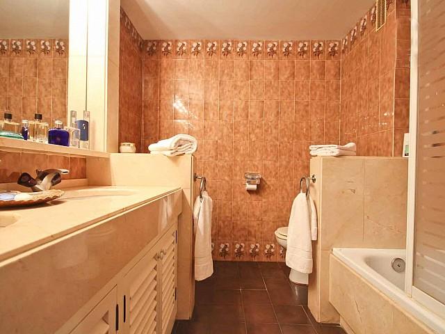 Ванная комната пентхауса в Бонанова