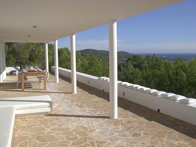 Потрясающая терраса комплекса с 2 виллами в Сан Лоренсо