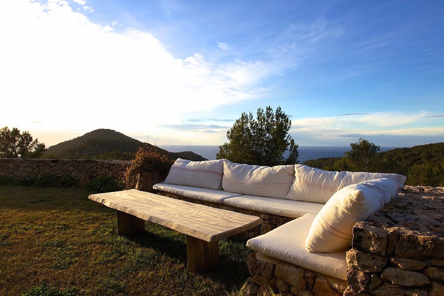 Солнечная терраса виллы в Сан Агустин