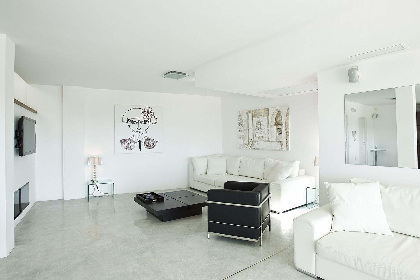 Шикарная гостиная виллы в Кала Салада