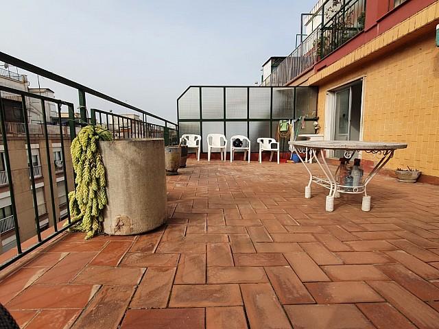Precioso ático con gran terraza en venta.