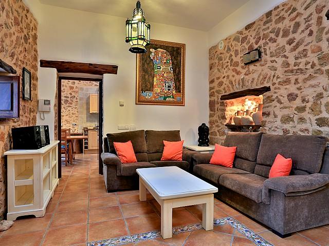 Шикарная гостиная виллы в Санта Эулалия