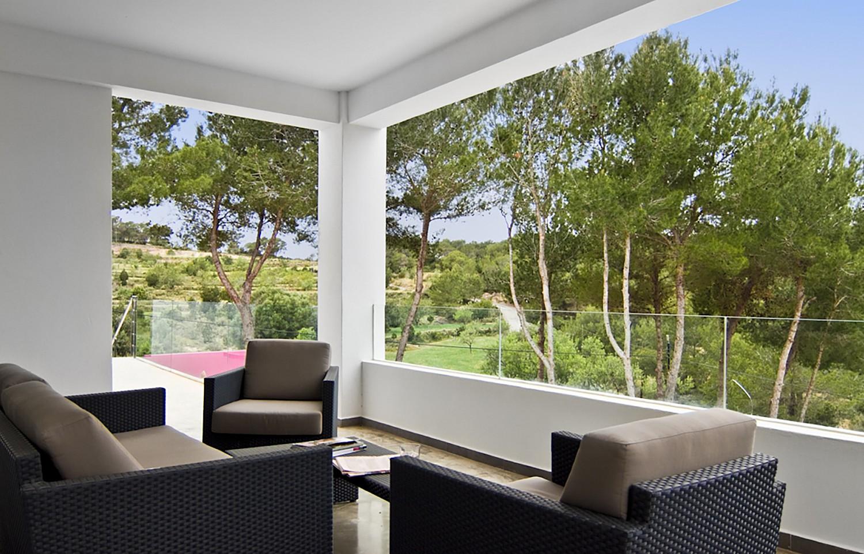 Солнечная гостиная виллы в Сан Агустин