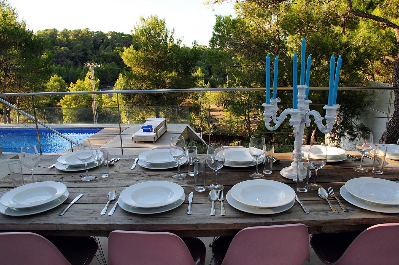 Летняя столовая виллы в Сан Агустин