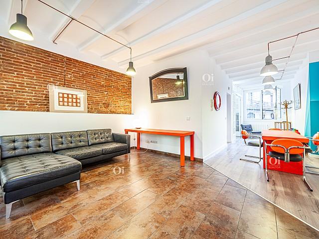 Oi Realtor представляет квартиру в аренду в Ронда Сант Пау, Барселона.