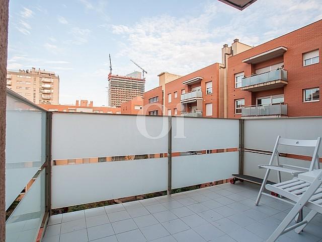 Потрясающая терраса квартиры на продажу в Побленоу