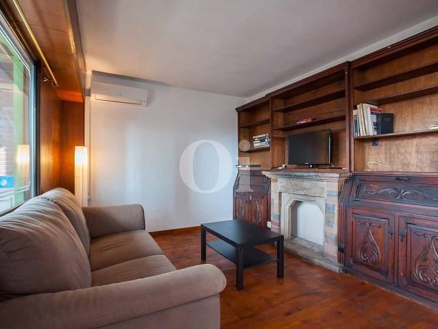 Просторная гостиная квартиры в Форт Пиенк