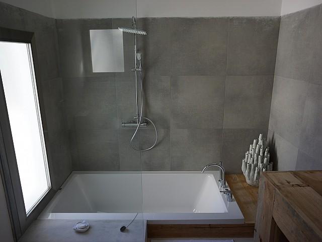 Ванная комната виллы рядом с Кала Моли