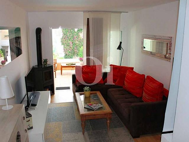 Просторная гостиная квартиры на продажу в Санта Эулалия