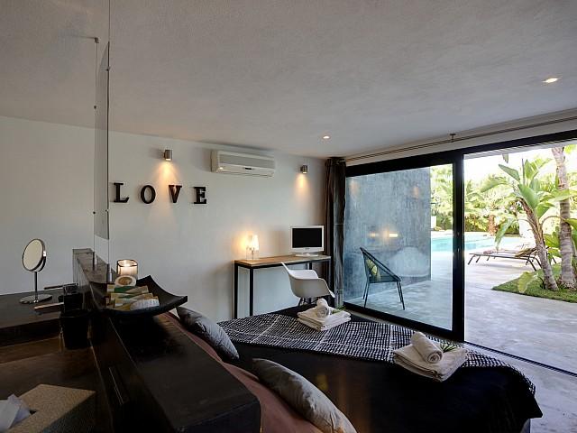 Ванная комната виллы в стиле минимализм на Ибице