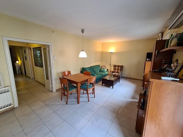 Apartment for Sale in Camp de L´Arpa, Barcelona