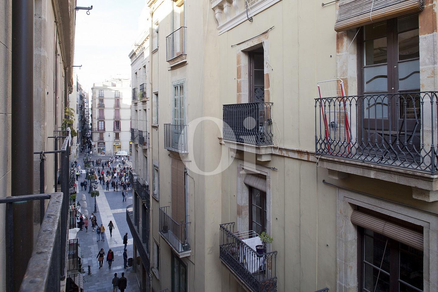 Виды из квартиры на продажу в Готическом квартале