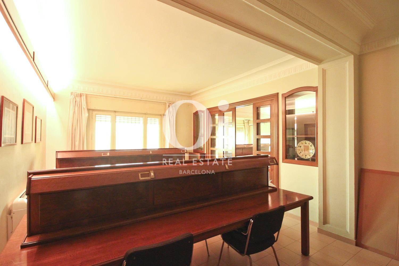 Светлая спальня квартиры в Бонанова