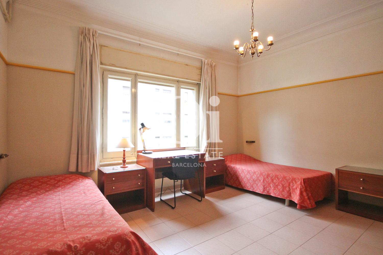 Уютная спальня квартиры в Бонанова