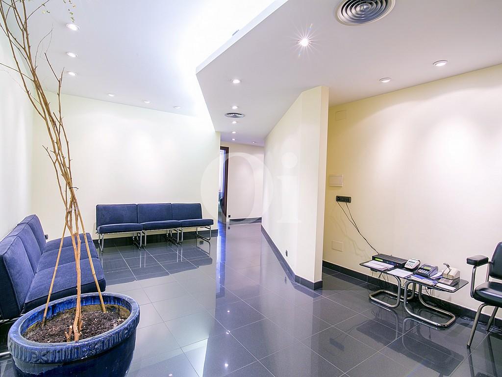 Шикарная гостиная квартиры на продажу в Саррья